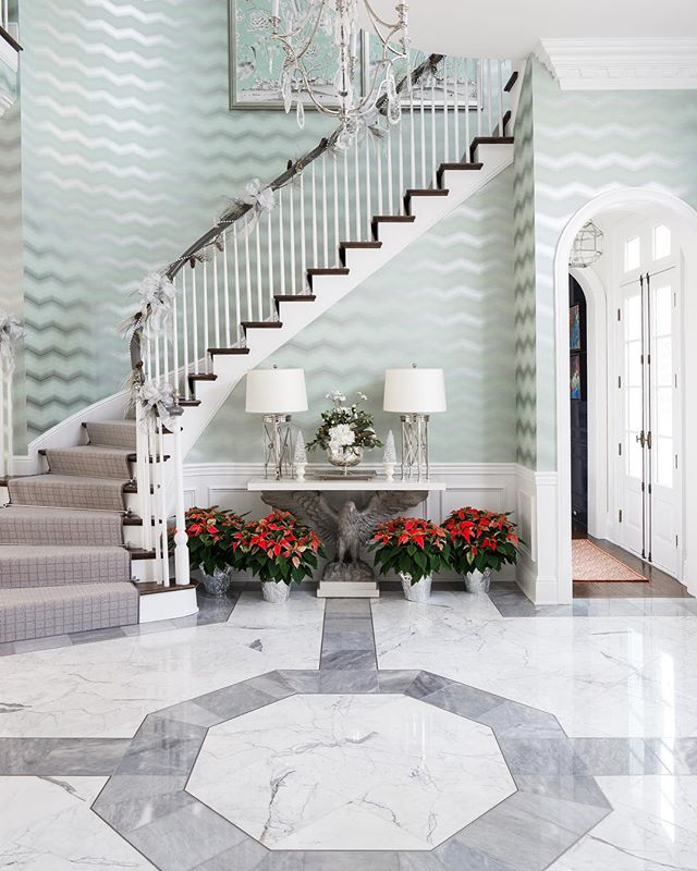 Hope everyone had a great Thanksgiving! It's a dead sprint to Christmas now. Here's a sneak peek into a December editorial shoot I completed a couple weeks ago. Loved this foyer!  Shot for: @topslouisville  Interior Design: @leewrobinson